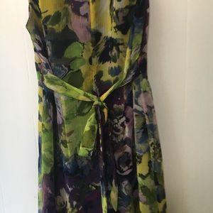 LOFT Dresses - • ruffled v-neck floral lined midi LOFT dress •